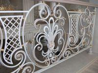 Кованые перила и балконы по индивидуальному заказу