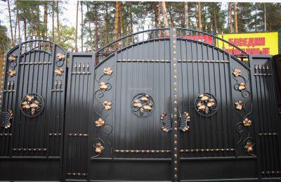 Кованые ворота со стальным листом С-24
